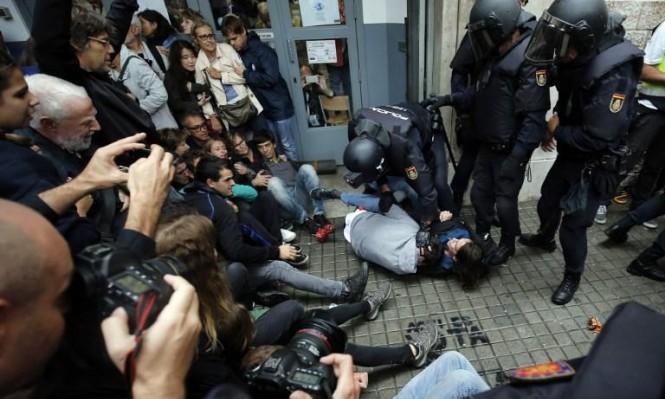 مواجهات على وقع استفتاء انفصال كاتالونيا (أ ف ب)