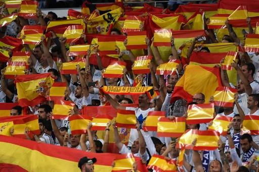 كيف ردت الجماهير في البرنابيو على استفتاء كاتالونيا؟