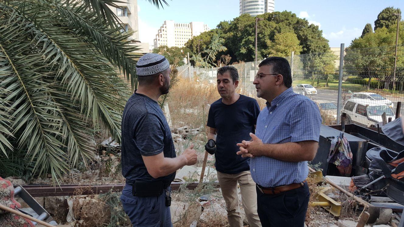 حيفا: يوم عمل تطوعي في مقبرة الاستقلال