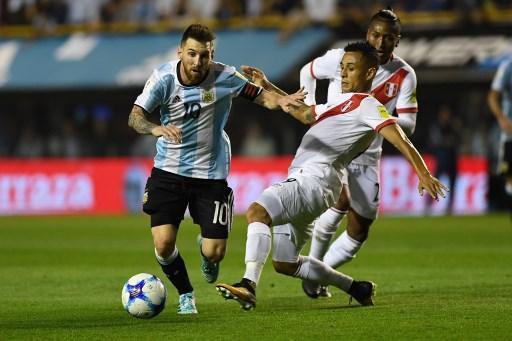 الأرجنتين تقع بفخ التعادل أمام بيرو