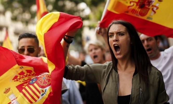 مسؤول كاتالوني: البرلمان يجتمع الاثنين ليقرر بشأن الاستقلال