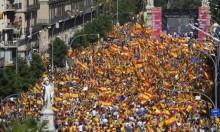350 ألف متظاهر بكتالونيا رفضًا للاستقلال