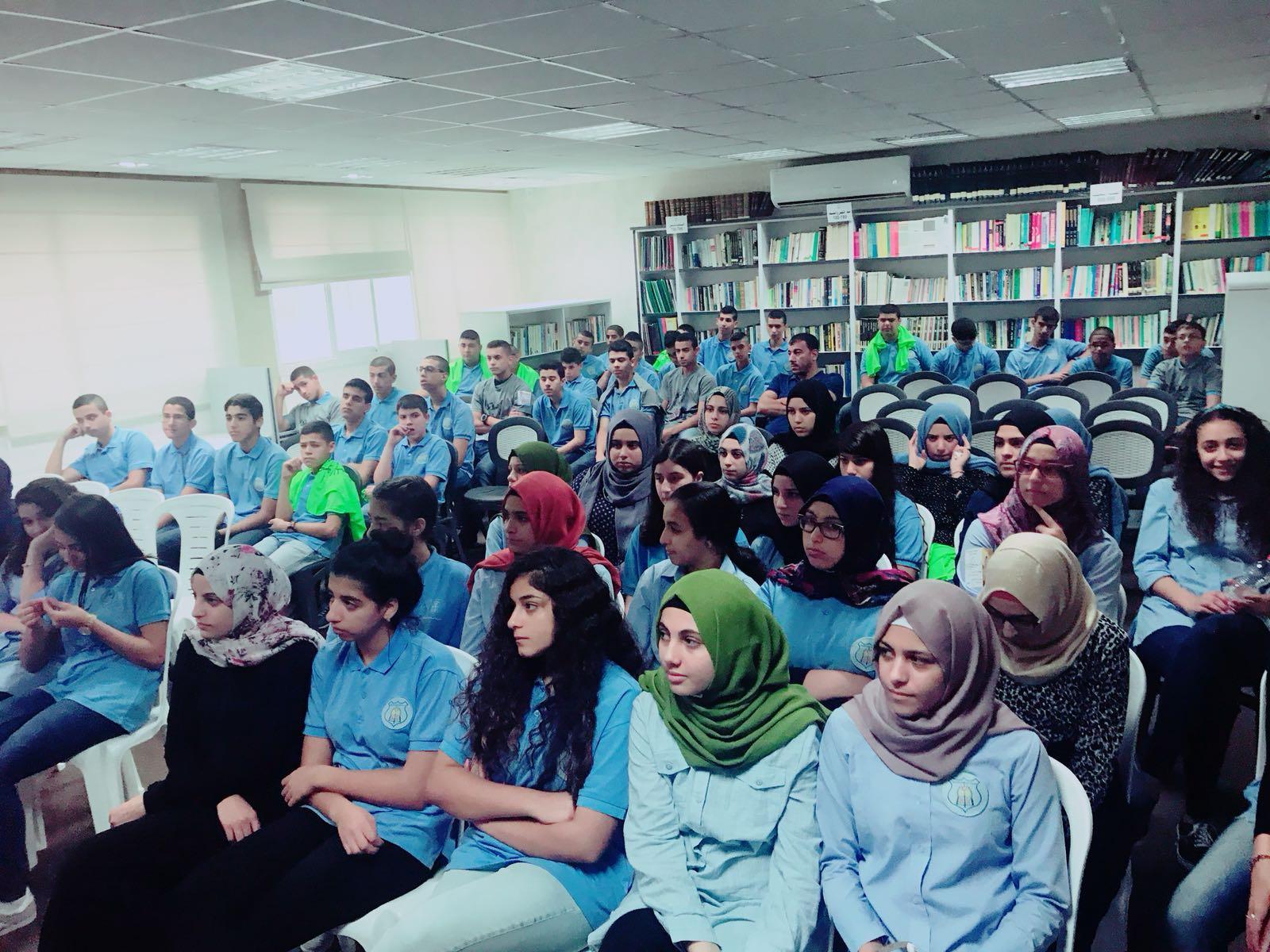 محاضرة للشاعر جبارة والناشطة جبالي في كفر قاسم