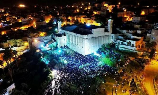 آلاف المستوطنين يقتحمون الأقصى والإبراهيمي