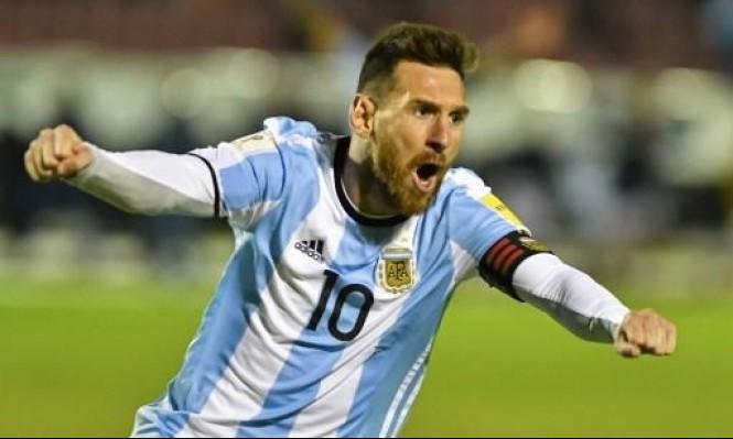 """ميسي يسجل """"هاتريك"""" ويقود الأرجنتين لمونديال روسيا"""