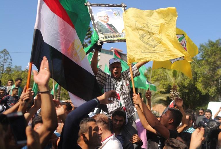 وفدا حماس وفتح يوقعان اتفاق المصالحة بالقاهرة