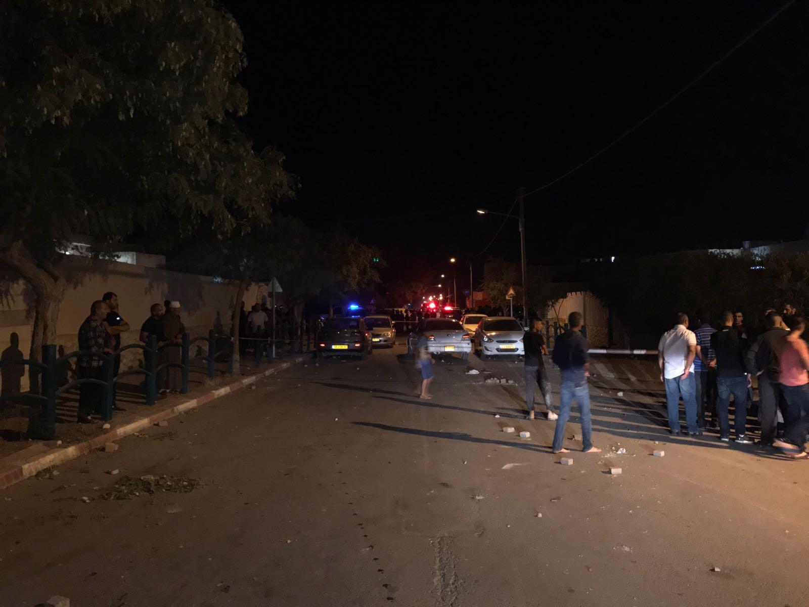 تل السبع: قتيل وإصابات بإطلاق نار وإعلان الإضراب غدا الخميس