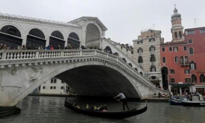 سكان لومبارديا والبندقية الإيطاليتين صوتوا لصالح حكم ذاتي