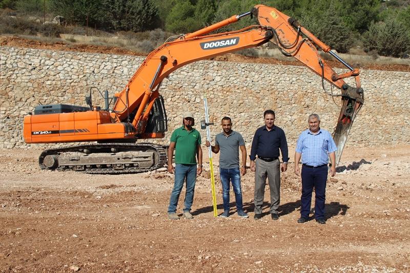 إعادة تخطيط وبناء الملعب البلدي القديم بكفر مندا