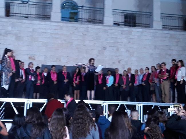 الناصرة: إضاءة كنيسة السالزيان باللون الزهري