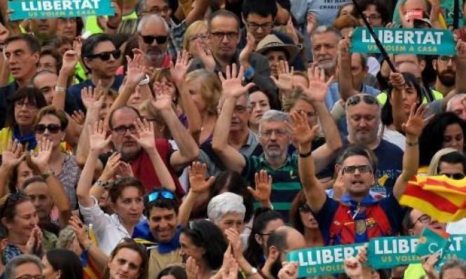 البرلمان الكاتالوني يصوت لصالح الاستقلال عن إسبانيا