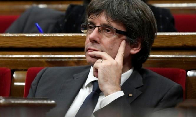 الحكومة الإسبانية تقيل رئيس كاتالونيا من منصبه