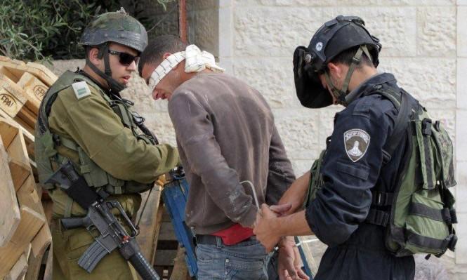 الاحتلال يعتقل بالضفة وجرافاته تتوغل في غزة