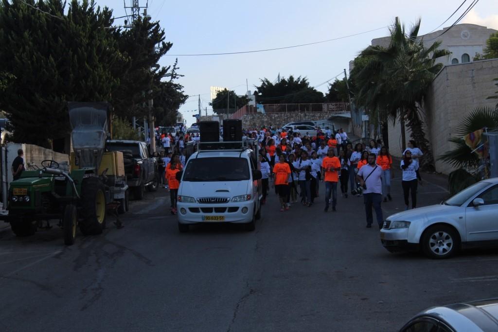 شفاعمرو: مئات النساء والفتيات شاركن في مسيرة المشي