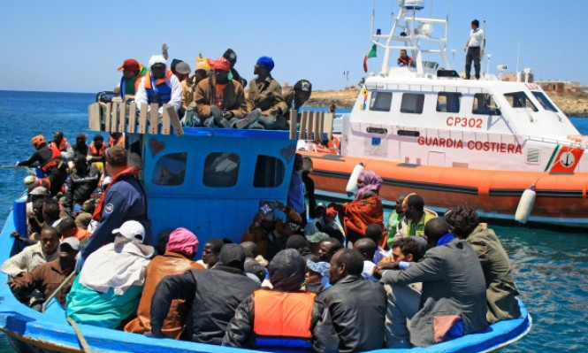 إنقاذ نحو 700 مهاجر في بحر إيطاليا وانتشال 23 جثة