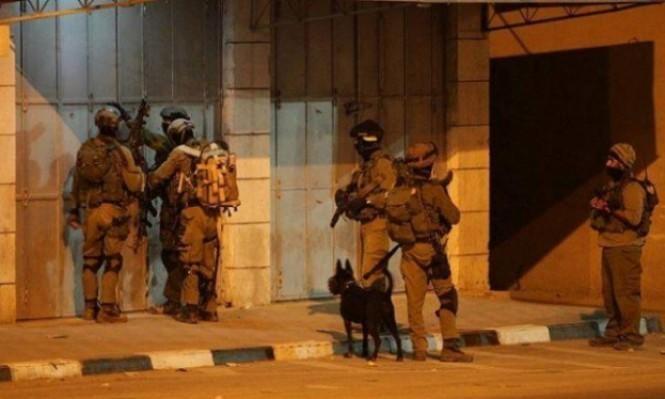 الاحتلال يعتقل 7 فلسطينيين ويصادر آلاف الشواكل بجنين