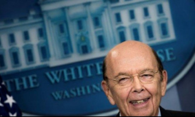 وزير التجارة الأميركي يدافع عن علاقته بشركة روسية