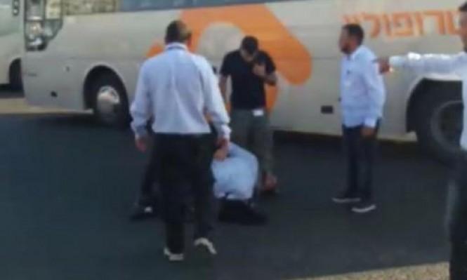 إضراب 120 سائقا في محطة بئر السبع بعد الاعتداء على زميلهم