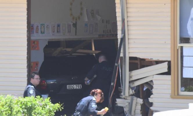 أسترالية تدخل بسيارتها إلى فصل دراسي وتقتل طالبين