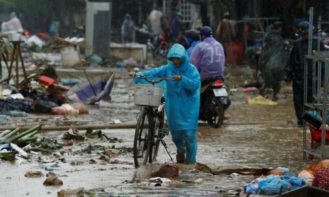 """فيتنام: مصرع 106 أشخاص في إعصار """"دامري"""""""