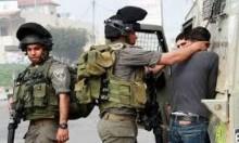 الاحتلال يعتقل فلسطينيا بزعم نبيته تنفيذ عملية طعن
