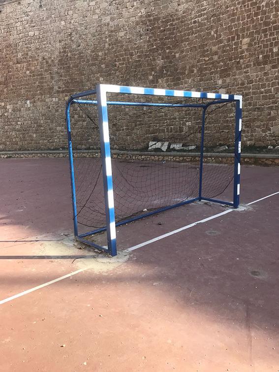 عكا: تجهيز ملعب كرة قدم إضافي بالعشب الاصطناعي