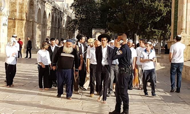 مستوطنون يقتحمون الأقصى والاحتلال يعتقل 7 مقدسيين