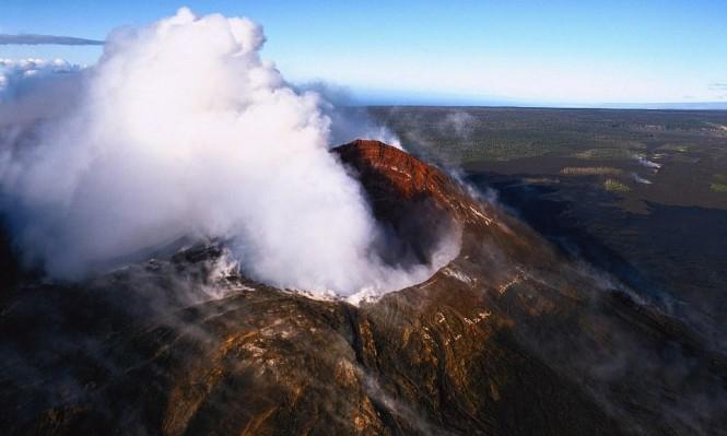 مقتل 11 شخصا بسقوط طائرة خفيفة في فوهة بركان بتنزانيا