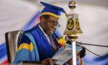 موغابي يظهر لأول مرة منذ استيلاء الجيش على السلطة