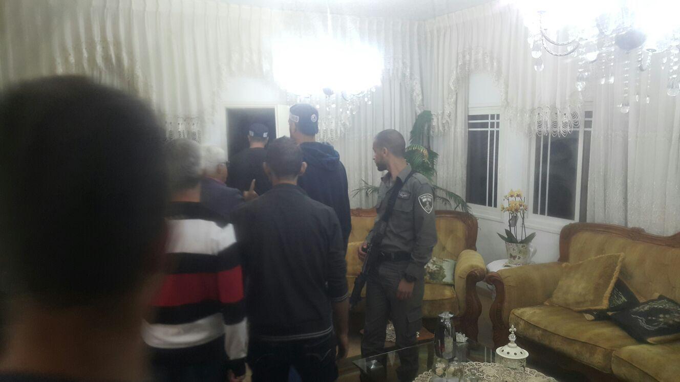 الشرطة تقتحم منزل القيادي بالتجمع واصل طه