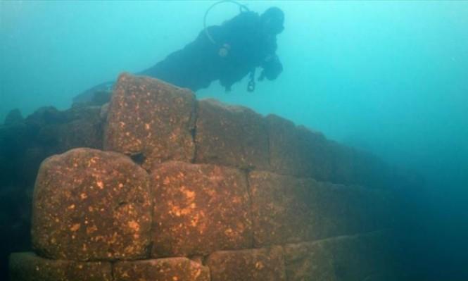 مصر: اكتشاف رأس ملكي وحطام 3 سفن غارقة تعود للعصر الروماني