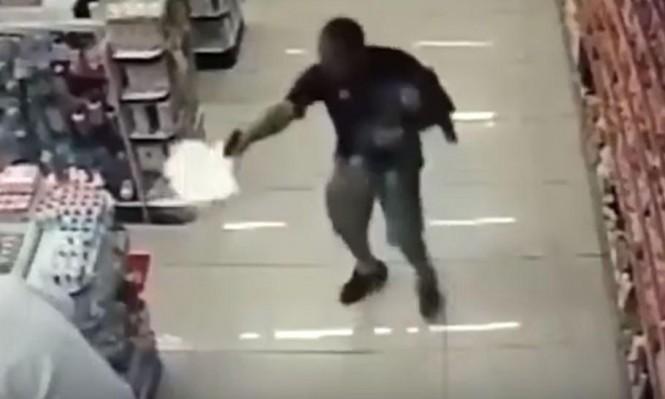 ضابط برازيلي يقتل لصين نفذا سطوا في صيدلية