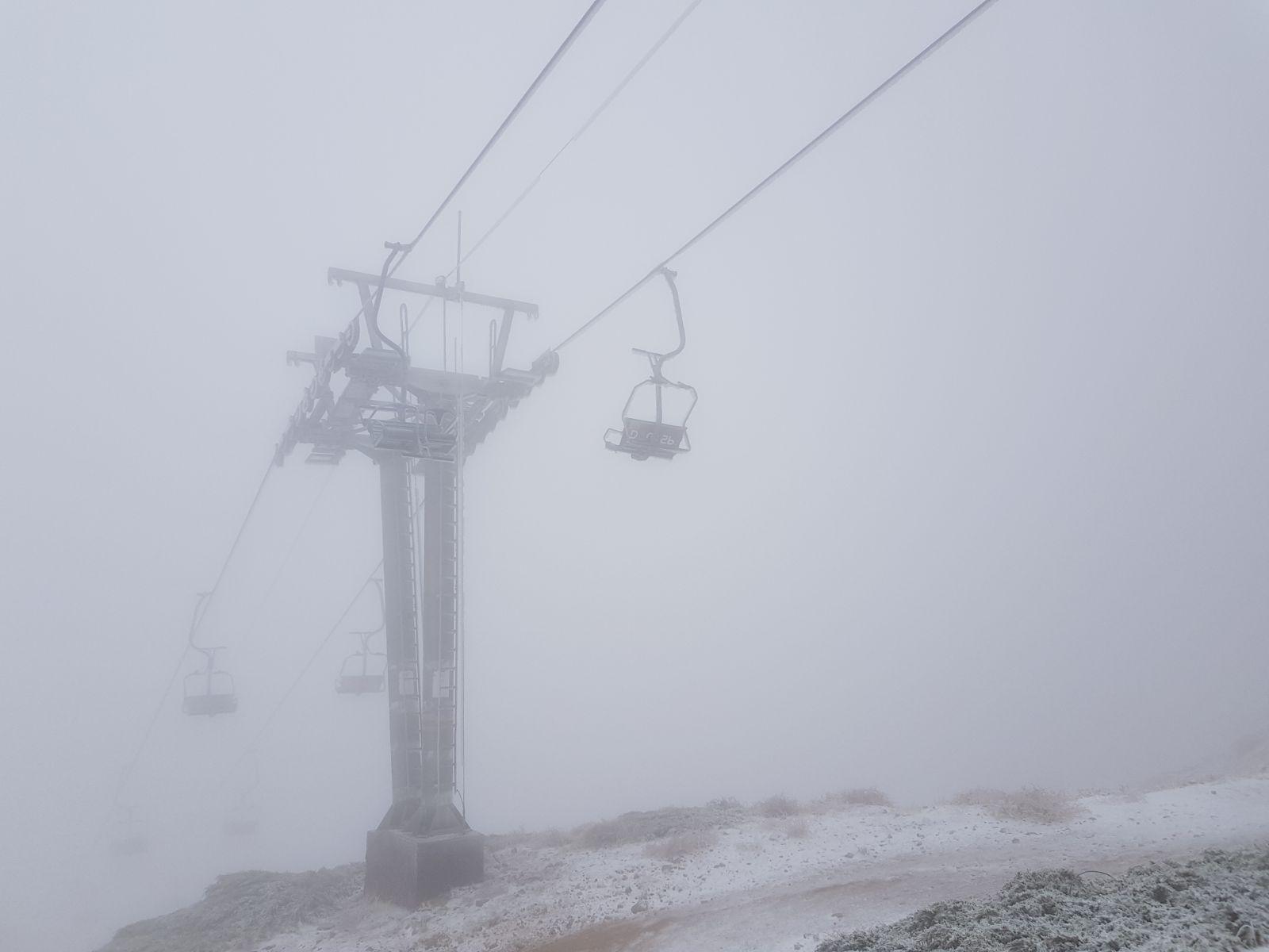 فيديو وصور: تساقط الثلوج الأولى في جبل الشيخ