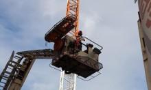 تخليص عامل انهار في رافعة على ارتفاع 40 مترا