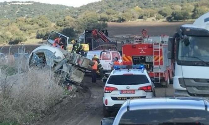 تخليص سائق أصيب بانقلاب خلاط باطون قرب حيفا