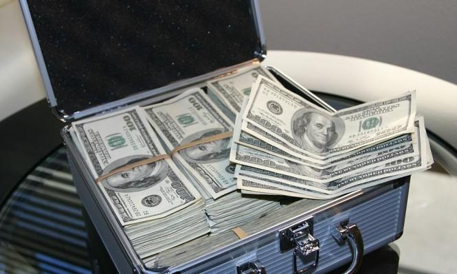 أميركية تجمع  300 ألف دولار لرجل مشرد أقرضها 20 دولارا