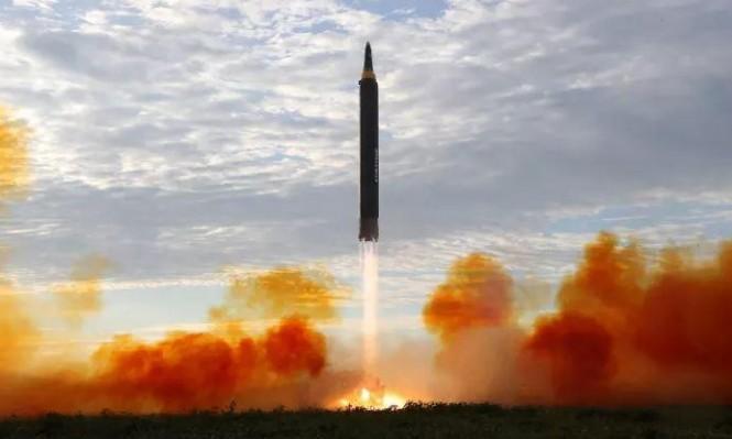 كوريا الشمالية تطلق صاروخا بالستيا