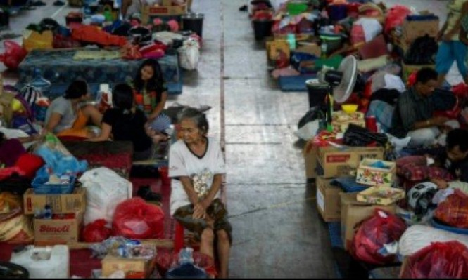 أندونيسيا: مصرع 19 شخصا في فيضانات وانهيارات أرضية