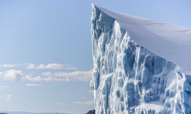 انفصال كتلة ضخمة عن نهر جليدي في جنوب تشيلي
