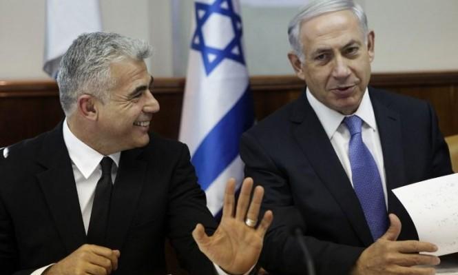 """استطلاع: أغلبية الإسرائيليين ترى أن """"قانون التوصيات"""" يخدم نتنياهو"""