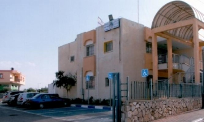 طوبا الزنغرية: إصابة طالب سقط من شرفة مدرسة
