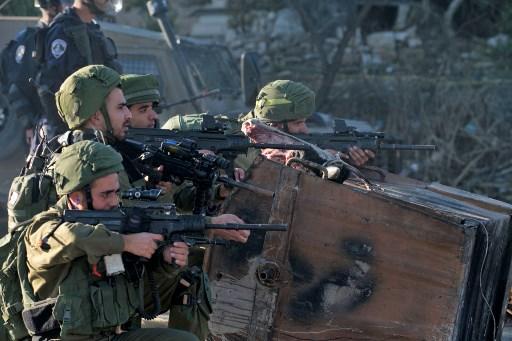 """شهيدان و 767 إصابة بالضفة والقطاع في """"يوم غضب"""" فلسطيني"""