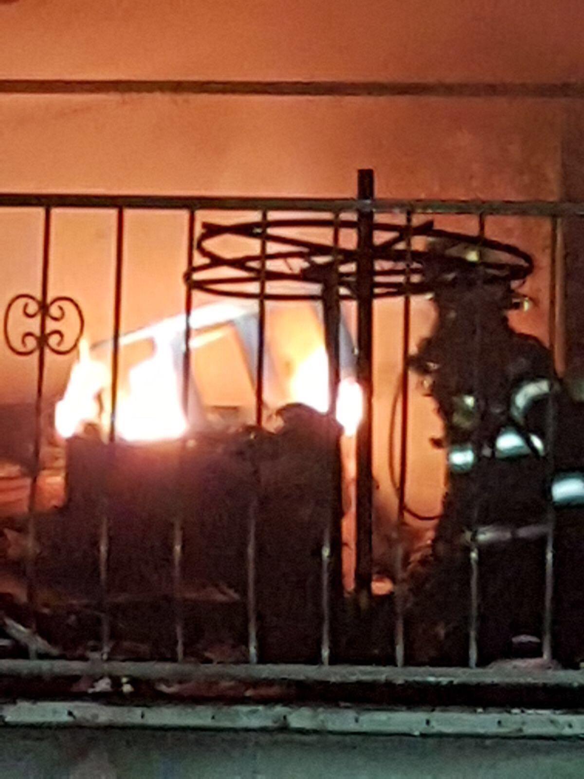 أبو سنان: إضرام النار في محل تجاري