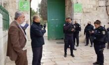الشرطة تمنع الشيخ كمال الخطيب من دخول الأقصى