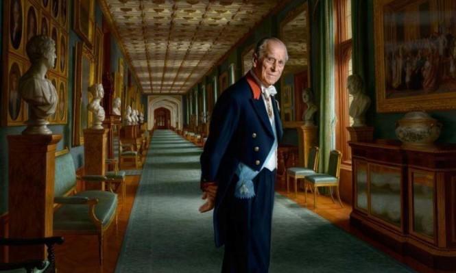 قصر بكنغهام ينشر لوحة جديدة للأمير فيليب