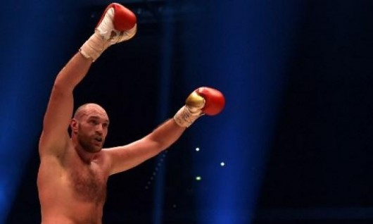 بعد غياب عامين: الملاكم البريطاني فيوري ينهي أزمته