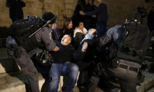 إصابات في اعتداء الاحتلال على المعتصمين المقدسيين أمام باب العامود