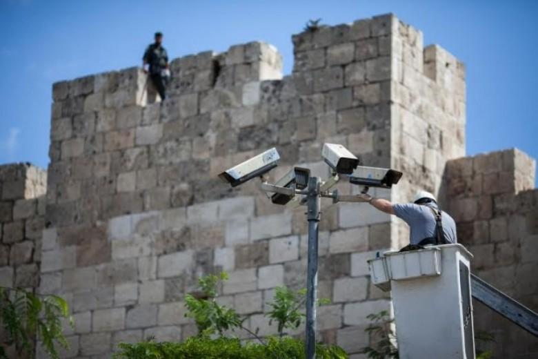 الاحتلال يستنفر عند الأقصى وينصب كاميرات بباب العامود