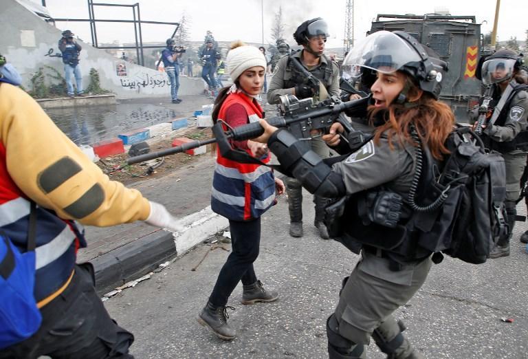 جمعة الغضب الثالثة: شهيدان وإصابات بمواجهات مع الاحتلال بالضفة وغزة