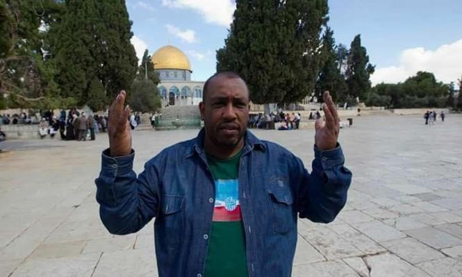 قرار بإبعاد مدير نادي الأسير عن القدس